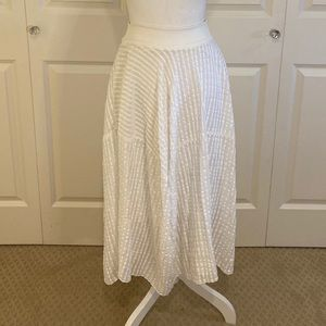Jarbo White Cotton Flowy Skirt